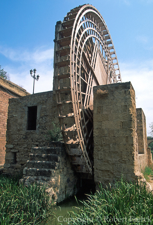 SPAIN, ANDALUSIA, CORDOBA Molino de la Albolafia with ancient Moorish waterwheel brings water from Guadalquivir River to Alcazar Palace