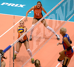 08-08-2014 NED: FIVB Grand Prix Nederland - Puerto Rico, Doetinchem<br /> Judith Pietersen, Anne Buijs