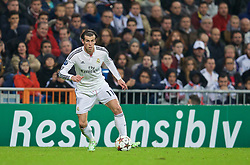 MADRID, SPAIN - Tuesday, November 4, 2014: Real Madrid's Gareth Bale in action against Liverpool during the UEFA Champions League Group B match at the Estadio Santiago Bernabeu. (Pic by David Rawcliffe/Propaganda)