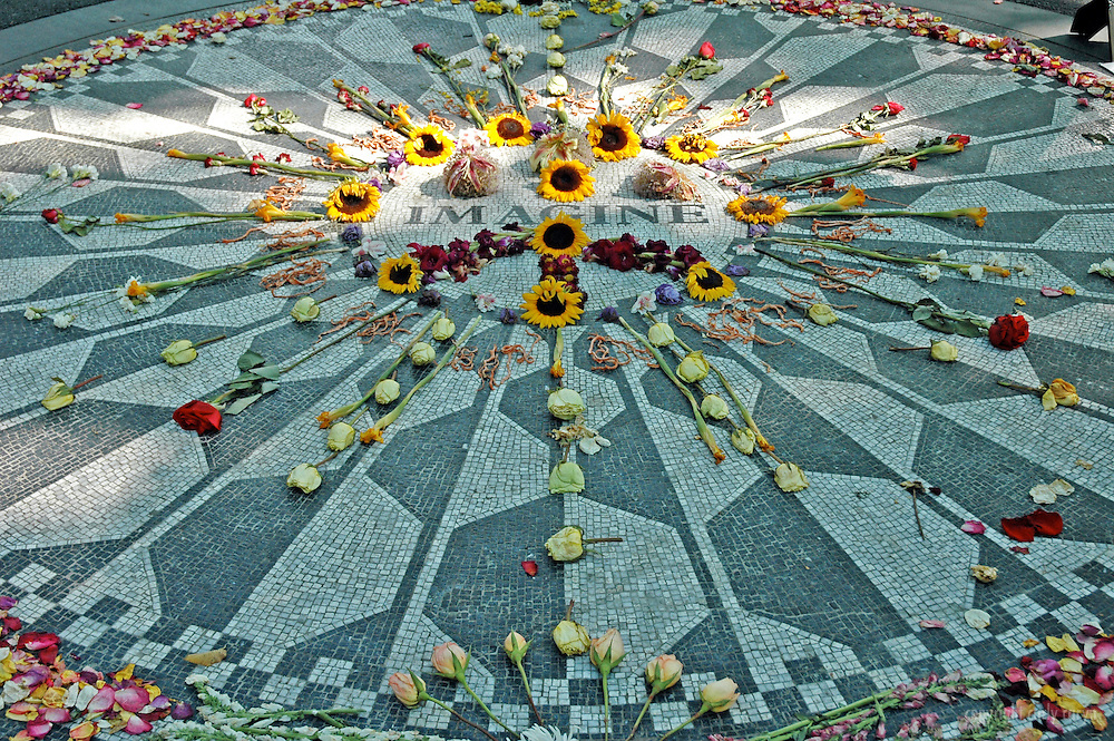 Imagine mosaic with flowers