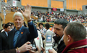 "n/z.: Byly prezydent USA Bill Clinton Olimpiady Specjalne Igrzyska Zimowe podczas zawodow w hali "" White Ring "" w Nagano. Japonia , Nagano , 27-02-2005 , fot.: Adam Nurkiewicz / mediasport..Ex-president USA Bill Clinton Special Olympics Winter Games during floor hockey competition at "" White Ring "" in Nagano. February 27, 2005 , Japan , Nagano ( Photo by Adam Nurkiewicz / mediasport )"