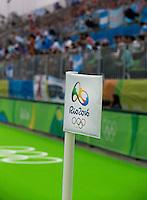 RIO DE JANEIRO  (Brazilië) -   vlag OS top hockeyveld  , tijdens de Olympische Spelen. COPYRIGHT KOEN SUYK