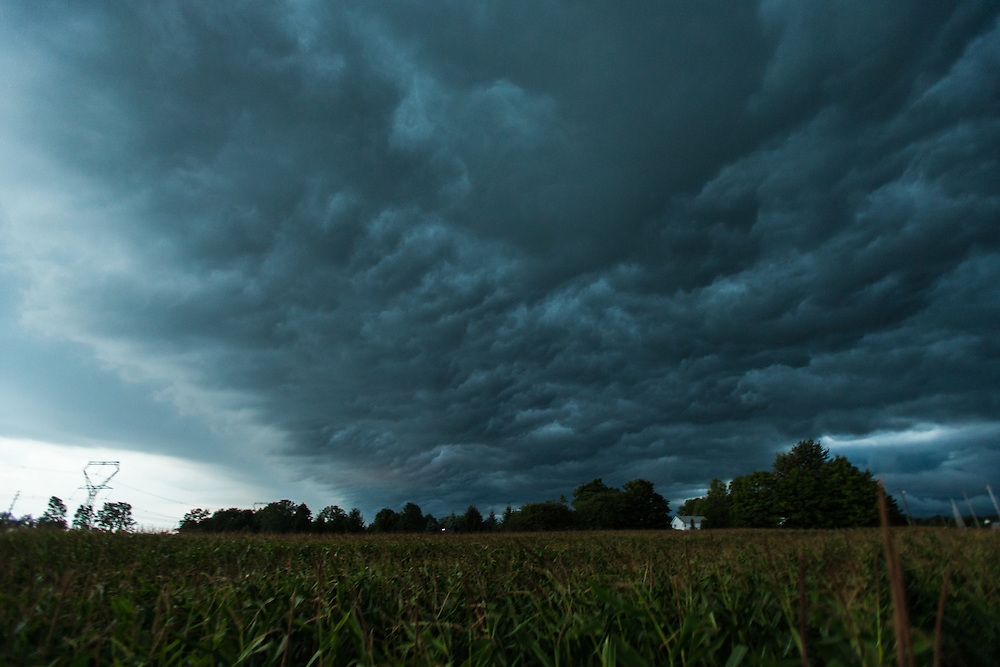 A storm rolls in over St.Thomas, Ontario, Friday,  September 5, 2014.<br /> photo by Geoff Robins