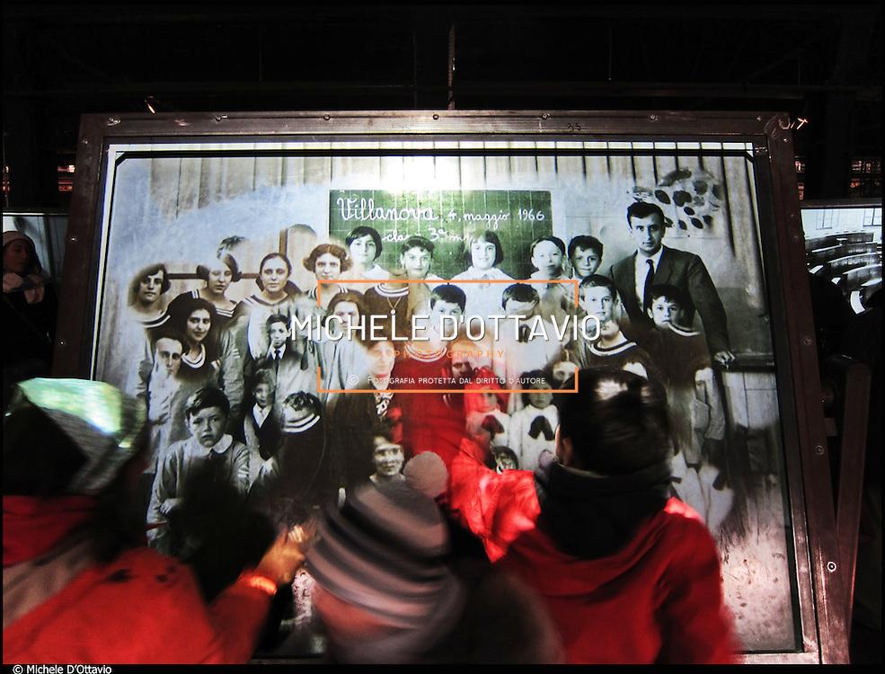 """Officine Grandi Riparazioni di Torino dal 17 marzo al 20 novembre 2011 alle si festeggiano i 150 anni dell'Unità di Italia con le mostre """"Stazione Futuro. Qui si rifà l'Italia"""", """"Fare gli italiani. 150 anni di storia nazionale"""" e """"Il Futuro nelle mani. Artieri domani"""".."""