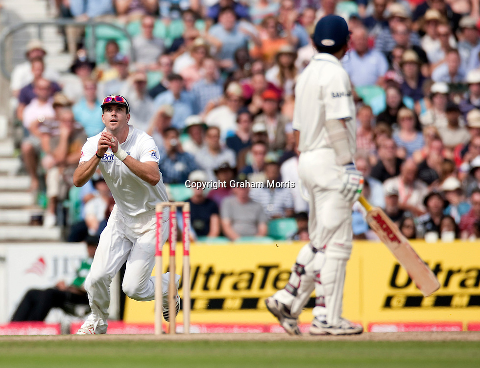 Kevin Pietersen catches Gautam Gambhir off Stuart Broad during the fourth and final npower Test Match between England and India at the Oval, London.  Photo: Graham Morris (Tel: +44(0)20 8969 4192 Email: sales@cricketpix.com) 21/08/11
