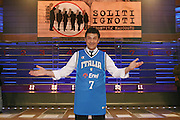 ROMA 03 /02/2008<br />BASKET<br />DINO MENEGHIN PARTECIPA ALLA TRASMISSIONE DI FABRIZIO FRIZZI &quot;SOLITI IGNOTI&quot;<br />NELLA FOTO FRIZZI MENEGHIN<br />FOTO CIAMILLO