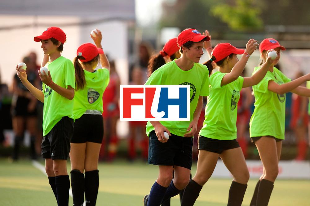 SANTIAGO - 2016 8th Women's Hockey Junior World Cup<br /> USA v NED (Pool A)<br /> foto: Bal boys.<br /> FFU PRESS AGENCY COPYRIGHT FRANK