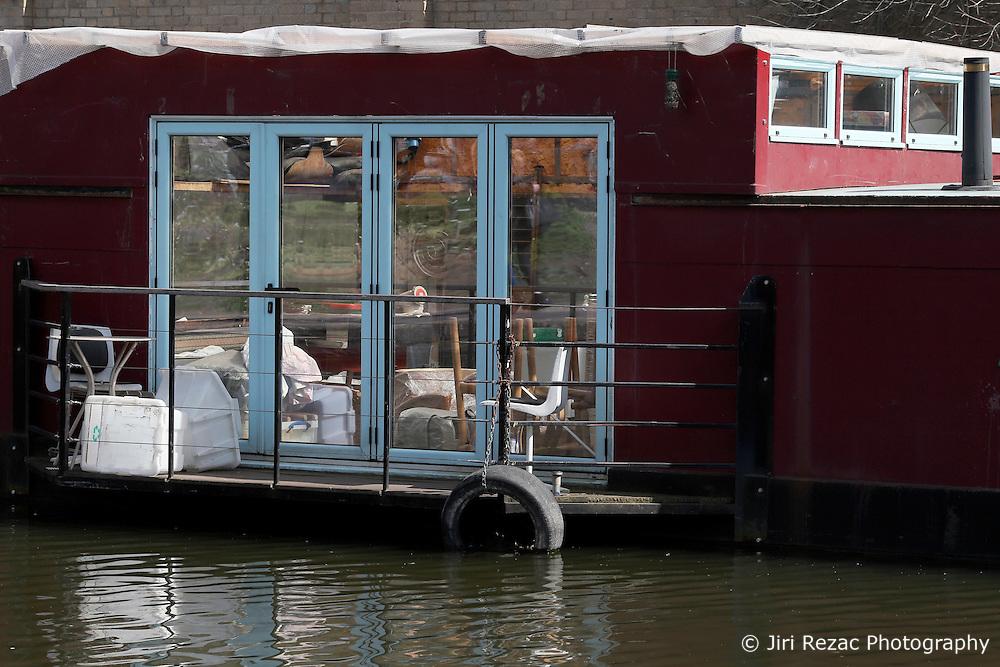 UK ENGLAND LONDON 30APR16 - London Canal houseboat near Haggerston, east London.<br /> <br /> jre/Photo by Jiri Rezac<br /> <br /> © Jiri Rezac 2016