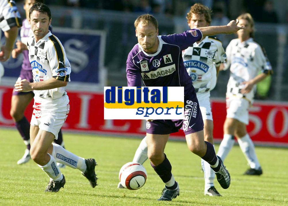 Fotball<br /> T-Mobile Bundesliga<br /> FK Austria Magna Wien vs SK Sturm Graz<br /> 26. september 2004<br /> Foto: Digitalsport<br /> NORWAY ONLY<br /> Guenther Neukirchner (Sturm), Sigurd Rushfeldt (A.Wien)