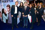 AMSTERDAM - In theater Tuschinski is de Nederlandse film 'Feuten het Feestje' in premiere gegaan. Met hier op de foto  Justine Pelmelay en helemaal links haar vriend Ronald van Driel. FOTO LEVIN DEN BOER - PERSFOTO.NU
