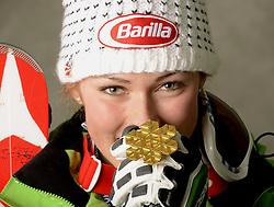 16.02.2013, Planai, Schladming, AUT, FIS Weltmeisterschaften Ski Alpin, Slalom, Damen, Medaillen Praesentation, im Bild Goldmedaillen Gewinnerin Mikaela Shiffrin (USA) // Mikaela Shiffrin of United States poses with her Gold Medal during Womens Slalom Medal Presentation at the FIS Ski World Championships 2013 at the .Planai Course, Schladming, Austria on 2013/02/16 ***** ACHTUNG: VERÖFFENTLICHUNGS- SPERRFRIST 18:30 Uhr ***** Bild bei redaktioneller Verwendung honorarfrei// ***** PLEASE NOTE: Publication EMBARGO 18:30 .clock *****. EXPA Pictures © 2013, PhotoCredit: EXPA/ Erich Spiess