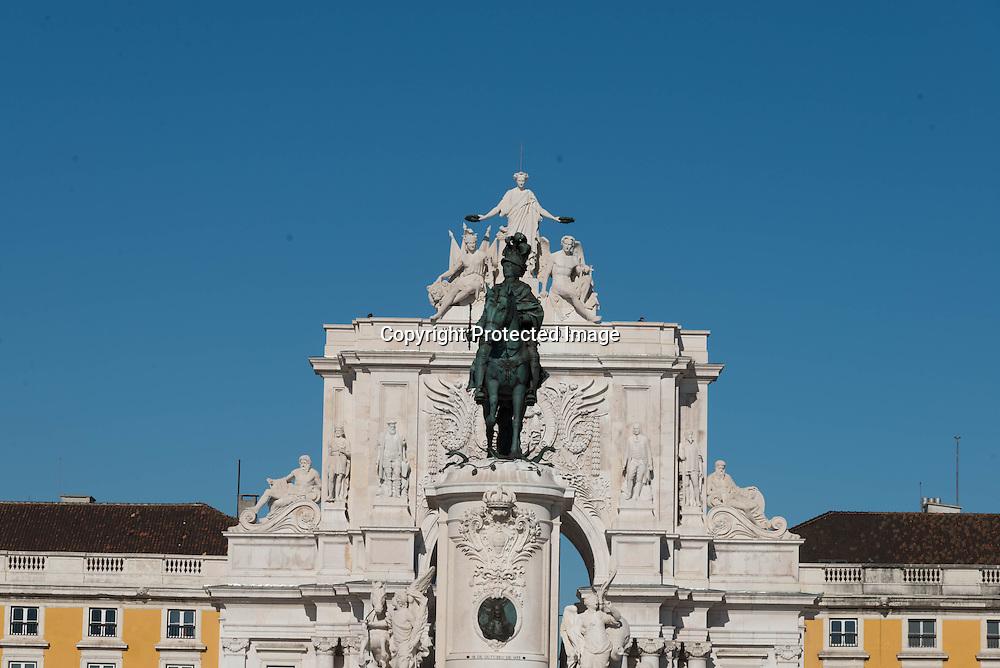 Portugal. Praca do commercio. trimph arc