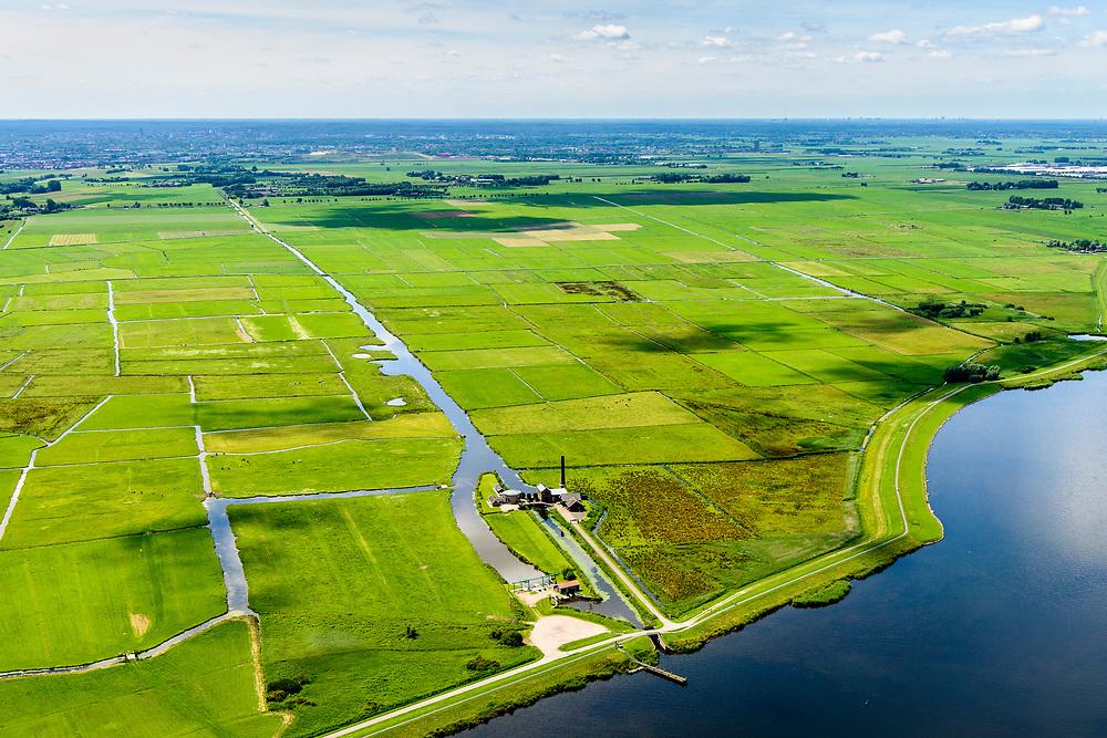 Nederland, Utrecht, Nijkerk, 17-07-2017; Zeedijk, Nijkerk<br /> Stoomgemaal Arkemheen (voorheen Hertog Reijnout).<br /> Historical steam pumping station.<br /> luchtfoto (toeslag op standard tarieven);<br /> aerial photo (additional fee required);<br /> copyright foto/photo Siebe Swart