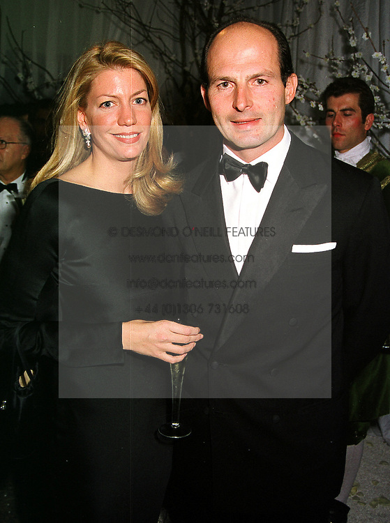 COUNT & COUNTESS RICCARDO PAVONCELLI, she is the daughter of Claus von Bulow, at a dinner in London on 21st October 1999.MYA 133