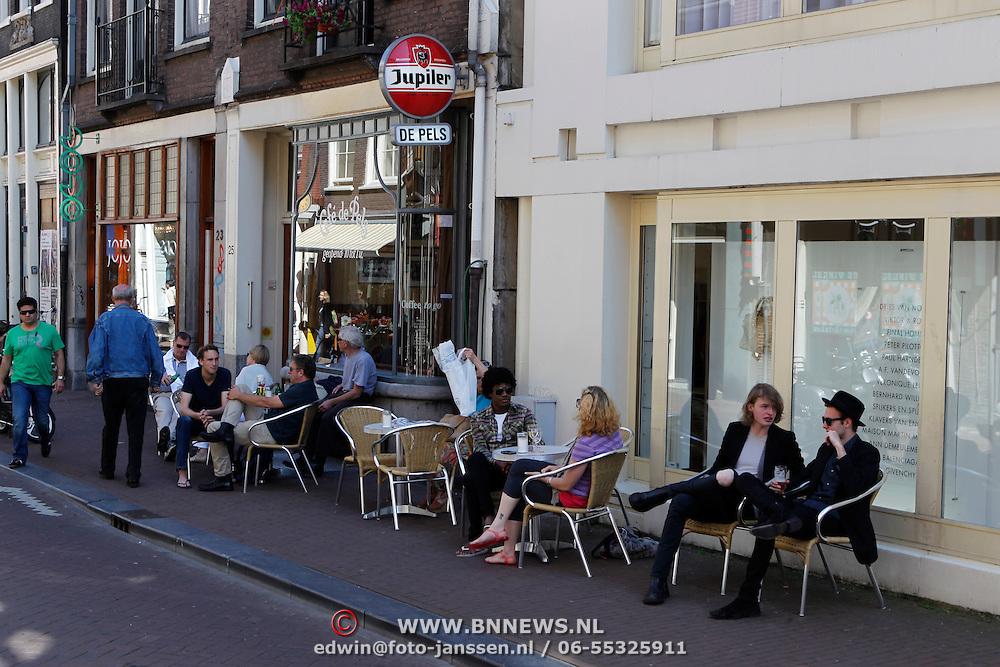 NLD/Amsterdam/20100604 - Diverse terrassen van restaurant zomerspecial, restaurant de Pels in Amsterdam