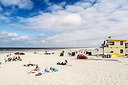Nederland, Ameland, 21-8-2010Op het strand van Ameland ter hoogte van Buren. de reddingsbrigade en strandwacht zijn paraat om eventuele drenkelingen uit het water te halen.Foto: Flip Franssen/Hollandse Hoogte