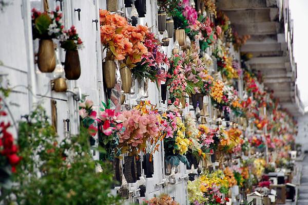 Italie, Napels, 5-3-2008Kerkhof in het voorstadje Casaluce.Foto: Flip Franssen