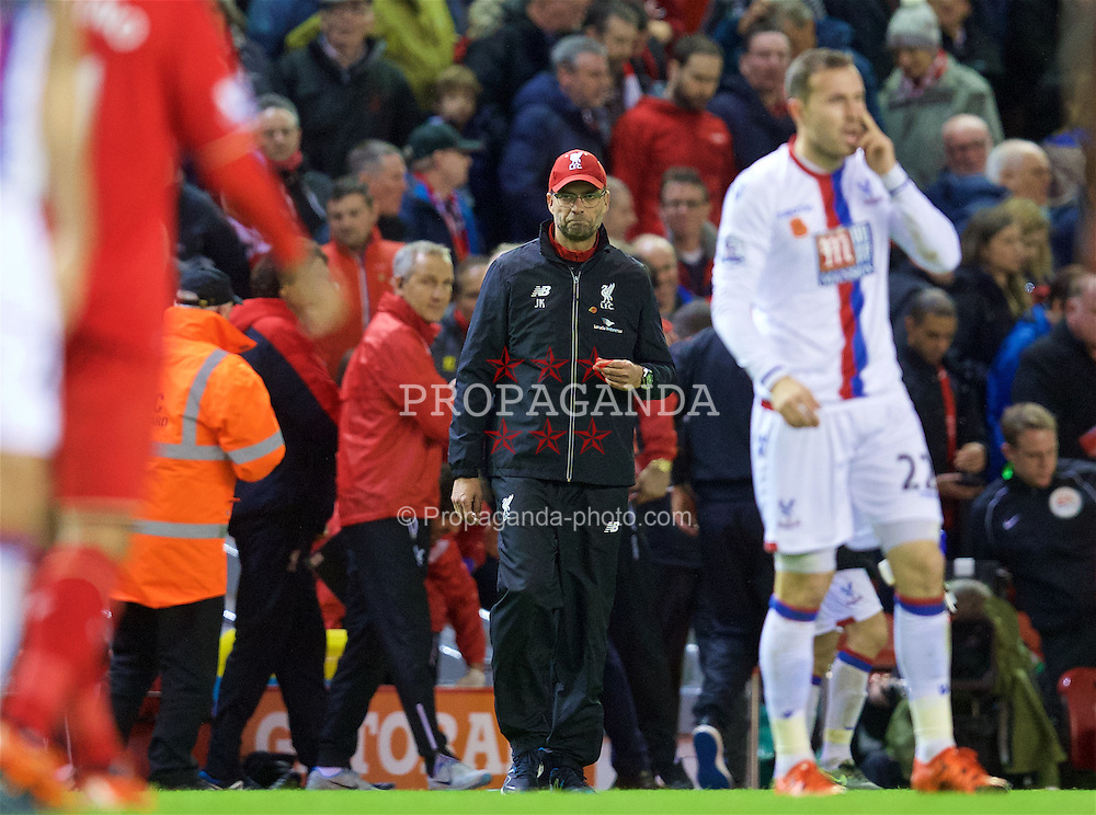 LIVERPOOL, ENGLAND - Sunday, November 8, 2015: Liverpool's manager Jürgen Klopp walks onto the pitch after his side's 2-1 home defeat to Crystal Palace during the Premier League match at Anfield. (Pic by David Rawcliffe/Propaganda)