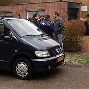 Technisch onderzoek politie kinderboerderij Rembrandlaan Baarn ivm vermissing echtpaar Muller - van der Velden, overleg