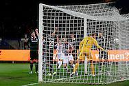 26-01-2016 VOETBAL:WILLEM II-FC GRONINGEN:TILBURG<br /> <br /> Dries Wuytens  van Willem II (C) heeft de 1-0 gescoord achter doelman Sergio Padt van FC Groningen  <br /> <br /> Foto: Geert van Erven