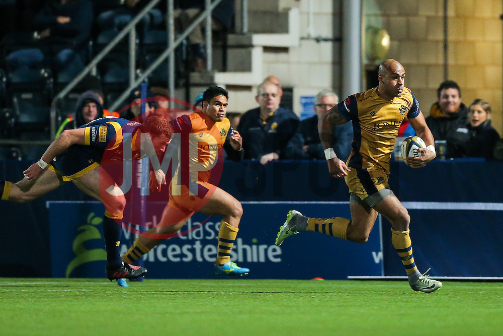 Tom Varndell of Bristol Rugby scores a try - Rogan Thomson/JMP - 04/11/2016 - RUGBY UNION - Sixways Stadium - Worcester, England - Worcester Warriors v Bristol Rugby - The Anglo Welsh Cup.