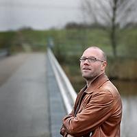 Nederland, Amsterdam , 21 januari 2014.<br /> <br /> Schrijver en Volkskrant-journalist Toine Heijmans heeft de prestigieuze Franse literatuurprijs Prix Medicis étranger gewonnen voor de roman Op Zee. Met het winnen van de prijs voor de beste buitenlandse roman komt hij in een rijtje met onder andere Dave Eggers, David Vann en Philip Roth. 'Echt een bizar spektakel.'<br /> Heijmans werkt als algemeen verslaggever en columnist bij De Volkskrant, en is daarnaast romanschrijver.<br /> Writer and journalist Toine Heijmans has won the prestigious French literary prize Prix Médicis étranger for the novel At Sea.