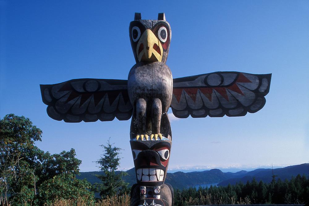 Canada, British Columbia, Salish Bear Pole totem at Malakat Summit north of Victoria on Vancouver Island