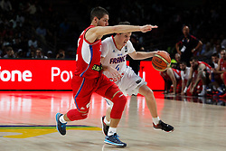 12.09.2014, City Arena, Madrid, ESP, FIBA WM, Frankreich vs Serbien, Halbfinale, im Bild France´s Heurtel (R) and Serbia´s Jovic // during FIBA Basketball World Cup Spain 2014 semifinal match between France and Serbia at the City Arena in Madrid, Spain on 2014/09/12. EXPA Pictures © 2014, PhotoCredit: EXPA/ Alterphotos/ Victor Blanco<br /> <br /> *****ATTENTION - OUT of ESP, SUI*****