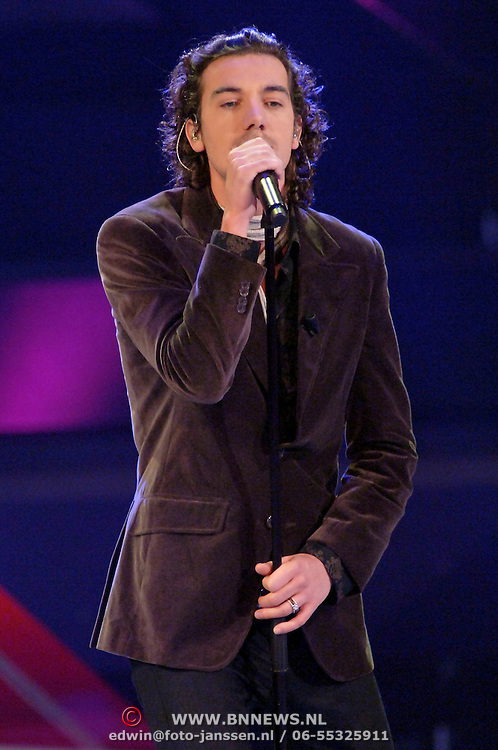 NLD/Hilversum/20061230 - 1e Live uitzending X-Factor 2006, deelnemer Christian Link