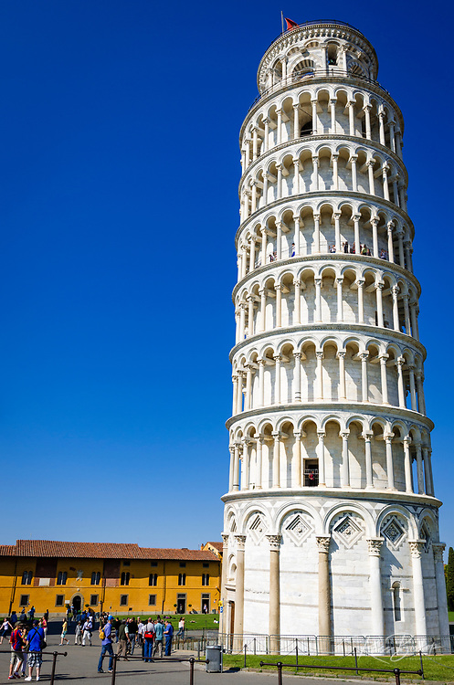 Tourists at the Leaning Tower of Pisa, Pisa, Tuscany, Italy
