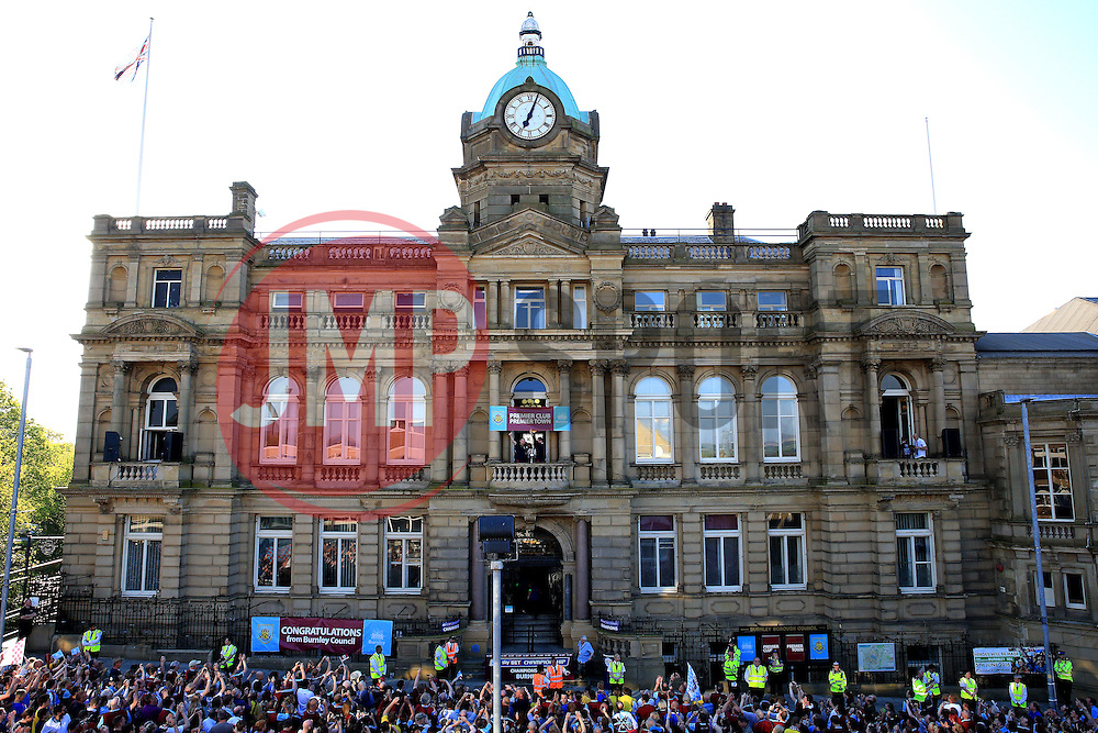 A general view as Burnley Manager Sean Dyche along with Michael Keane show off the trophy outside the Burnley Town Hall - Mandatory by-line: Matt McNulty/JMP - 09/05/2016 - FOOTBALL - Burnley Town Hall - Burnley, England - Burnley FC Championship Trophy Presentation
