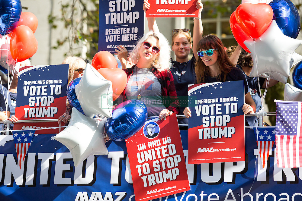 September 21, 2016 - London, London, UK - London, UK. Campaign group Avaaz organise a 'Stop Trump' campaign bus to tour central London, rallying US expats to register to vote. The United States presendential election is scheduled for 8 November 2016. The  (Credit Image: © Tom Nicholson/London News Pictures via ZUMA Wire)