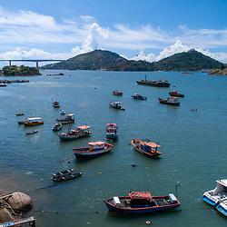 """""""Canal de Vitória (Paisagem) fotografado em Vitória, capital do Espírito Santo -  Sudeste do Brasil. Registro feito em 2019.<br /> ⠀<br /> ⠀<br /> <br /> <br /> <br /> <br /> ENGLISH: Channel of Vitoria photographed in Vitória, capital of Espírito Santo - Southeast of Brazil. Picture made in 2019."""""""
