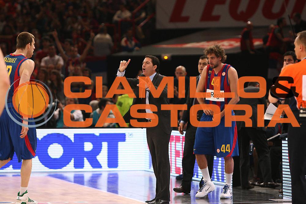 DESCRIZIONE : Parigi Paris Eurolega Eurolegue 2009-10 Final Four Finale 1-2 posto place Final Regal Fc Barcellona Olympiacos Pireo Atene<br /> GIOCATORE : Pascual Xavier<br /> SQUADRA :&nbsp;Regal Fc Barcellona <br /> EVENTO : Eurolega 2009-2010&nbsp;<br /> GARA : Regal Fc Barcellona Olympiacos Pireo Atene<br /> DATA : 09/05/2010&nbsp;<br /> CATEGORIA : coach<br /> SPORT : Pallacanestro&nbsp;<br /> AUTORE : Agenzia Ciamillo-Castoria/C.De Massis<br /> Galleria : Eurolega 2009-2010&nbsp;<br /> Fotonotizia : Parigi Paris Eurolega Euroleague 2009-2010 Final Four Finale 1-2 posto place Final Regal Fc Barcellona Olympiacos Pireo Atene<br /> Predefinita :