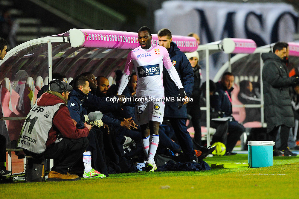 Gilles SUNU  - 04.03.2015 - Evian Thonon / Lorient - Match en retard de la 26eme journee de Ligue 1 <br />