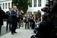 12 JAN 2005, BERLIN/GERMANY:<br /> Otto Schily, SPD, Bundesinnenminister, gibt nach einer Pressekonferenz zum Luftsicherheitsgesetz noch ein Statement vor Fernsehkameras, Bundespressekonferenz<br /> IMAGE: 20050112-01-032<br /> KEYWORDS: BPK, Kamera, Camera, Journalist, Journalisten, Mikrofon, microphone