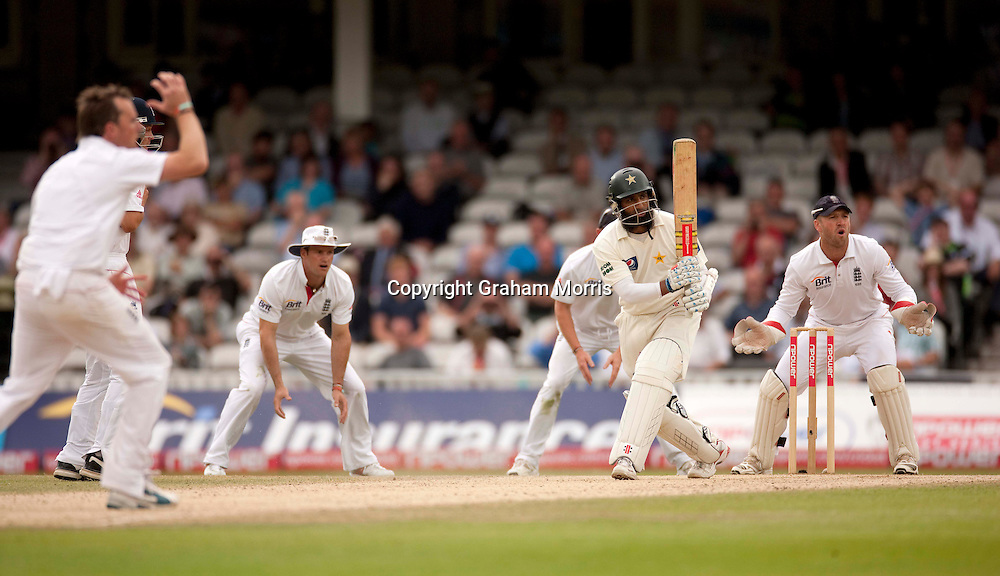 Mohammad Yousuf, four off Graeme Swann, during the third npower Test Match between England and Pakistan at the Oval.  Photo: Graham Morris (Tel: +44(0)20 8969 4192 Email: sales@cricketpix.com) 21/08/10