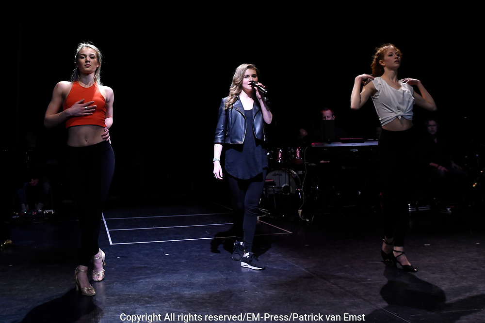 Repetitie van Musicals in Concert - Live on Tour.<br /> <br /> Op de foto:  Vajen van den Bosch