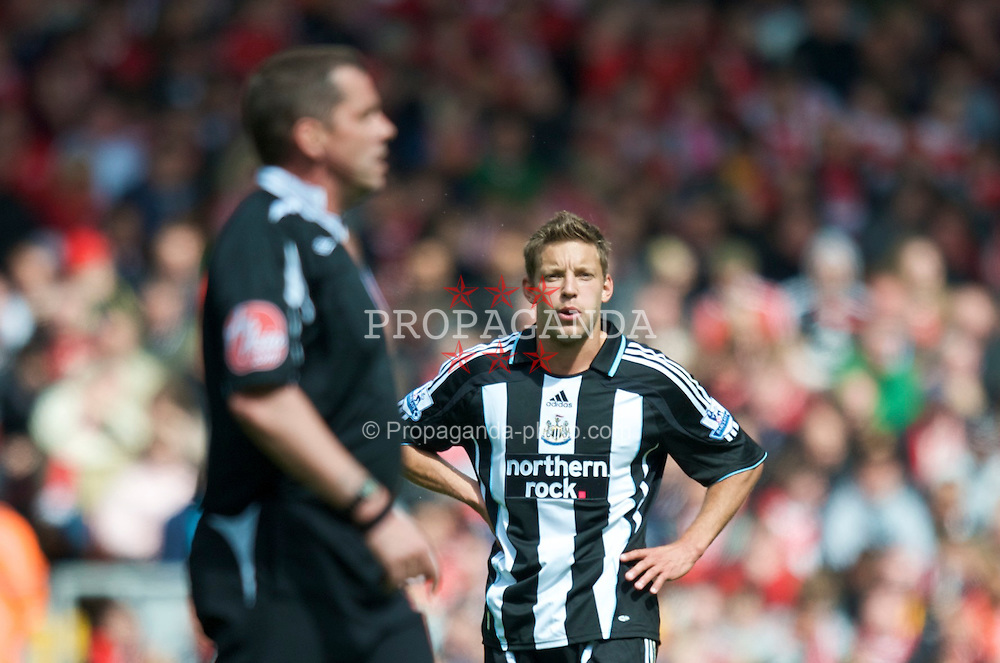 LIVERPOOL, ENGLAND - Sunday, May 3, 2009: Newcastle United's Alan Smith complains to referee Philip Dowd during the Premiership match at Anfield. (Photo by David Rawcliffe/Propaganda)