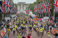 LONDON UK 30TH JULY 2016:  The Mall , Buckingham Palace. The Prudential RideLondon FreeCycle event over closed roads around the city. Prudential RideLondon in London 30th July 2016.<br /> <br /> Photo: Bob Martin/Silverhub for Prudential RideLondon<br /> <br /> Prudential RideLondon is the world&rsquo;s greatest festival of cycling, involving 95,000+ cyclists &ndash; from Olympic champions to a free family fun ride - riding in events over closed roads in London and Surrey over the weekend of 29th to 31st July 2016. <br /> <br /> See www.PrudentialRideLondon.co.uk for more.<br /> <br /> For further information: media@londonmarathonevents.co.uk