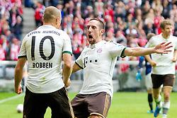 14-09-2013 VOETBAL: FC BAYERN MUNCHEN - HANNOVER 96: MUNCHEN<br /> Jubel nach dem Tor zum 2-0 durch Franck Ribery (FCB #7) mit Arjen Robben (FCB #10) <br /> ***NETHERLANDS ONLY***<br /> ©2013-FotoHoogendoorn.nl