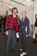 MARTIN CREED; ANOUCHKA GROSE, OPENING OF FRIEZE ART FAIR. Regent's Park. London.  12 October 2011. <br /> <br />  , -DO NOT ARCHIVE-© Copyright Photograph by Dafydd Jones. 248 Clapham Rd. London SW9 0PZ. Tel 0207 820 0771. www.dafjones.com.