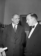 20/2/1959<br /> 02/20/1959<br /> 20 February 1959<br /> <br /> Mr Donal ÓMóráin of Gael Linn and President Éamon de Valera speaking at Cunmann Gaelach Inaugural