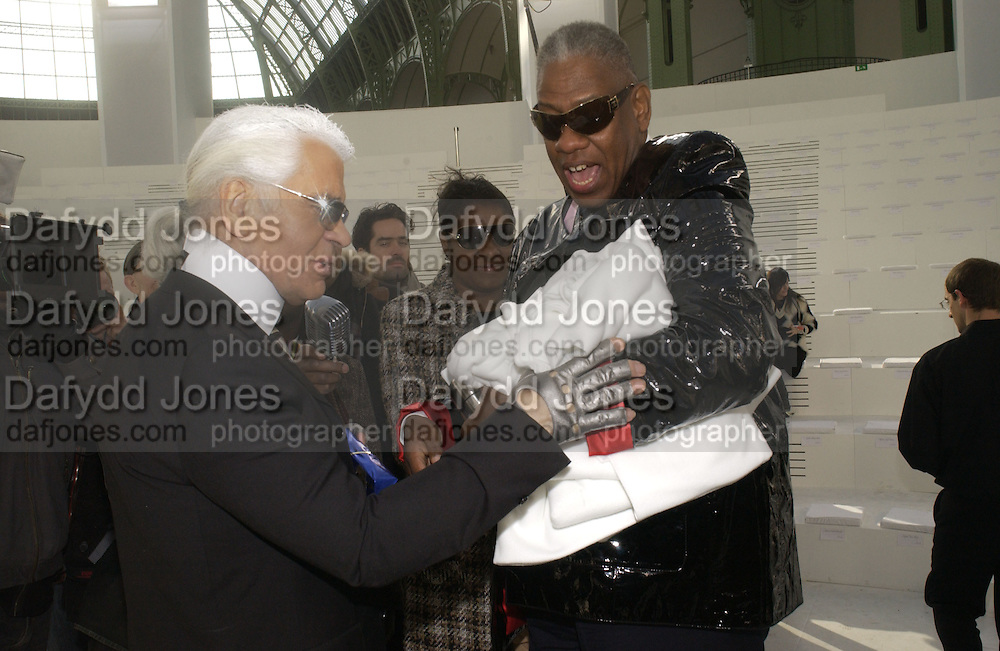 Karl Largerfeld, Alexis Thomas and Andre Leon Talley Chanel couture fashion show. Grand Palais, Ave Winston Churchill. Paris. 24  January  2006.  ONE TIME USE ONLY - DO NOT ARCHIVE  © Copyright Photograph by Dafydd Jones 66 Stockwell Park Rd. London SW9 0DA Tel 020 7733 0108 www.dafjones.com