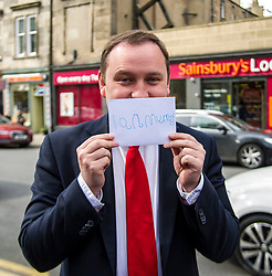 Pictured: Ian Murray received a good luck card from Daniel Jonhston's five year old daughter Fraya at the launch. Young Fraya was too shy to go on camera.<br /> <br /> Scottish Labour&rsquo;s Ian Murray and Scottish Labour leader Kezia Dugdale hit the general election campaign trail in Edinburgh today for the first campaign event of Mr Murray&rsquo;s re-election campaign for the Edinburgh South constituency.<br /> Ger Harley | EEm 21 April 2017