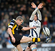 Wycombe, GREAT BRITAIN,  Sharks, Nick MACLEOD, attempts to charge down, Dave WALDER's, clearence kick, during the Guinness Premiership match,  London Wasps vs Sale Sharks at Adam's Park Stadium, Bucks, on Sun 23.11.2008. [Photo, Peter Spurrier/Intersport-images]