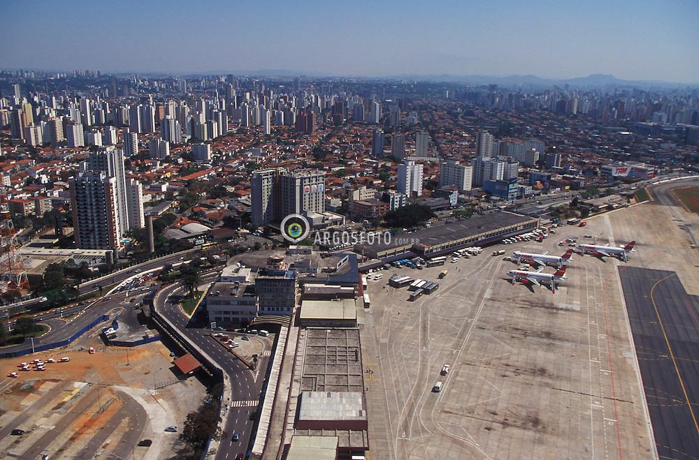 Sao Paulo, Sao Paulo, Brasil..Vista aerea do aeroporto de Congonhas./ Aerial view of Congonhas Airport.Foto ©Marcos Issa/Argosfoto