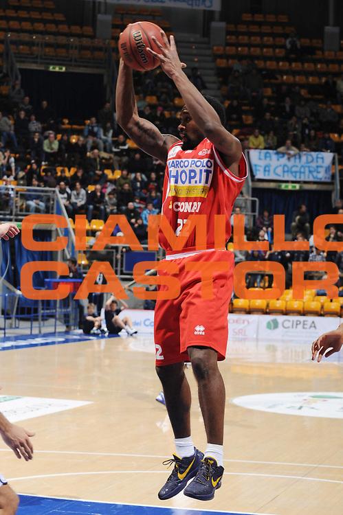 DESCRIZIONE : Bologna Lega Basket A2 2011-12 Conad Bologna Marcopoloshop.it Forli<br /> GIOCATORE : JR Wanamaker<br /> CATEGORIA : rimbalzo<br /> SQUADRA : Marcopoloshop.it Forli<br /> EVENTO : Campionato Lega A2 2011-2012<br /> GARA : Conad Bologna Marcopoloshop.it Forli<br /> DATA : 12/02/2012<br /> SPORT : Pallacanestro<br /> AUTORE : Agenzia Ciamillo-Castoria/M.Marchi<br /> Galleria : Lega Basket A2 2011-2012 <br /> Fotonotizia : Bologna Lega Basket A2 2011-12 Conad Bologna Marcopoloshop.it Forli<br /> Predefinita :