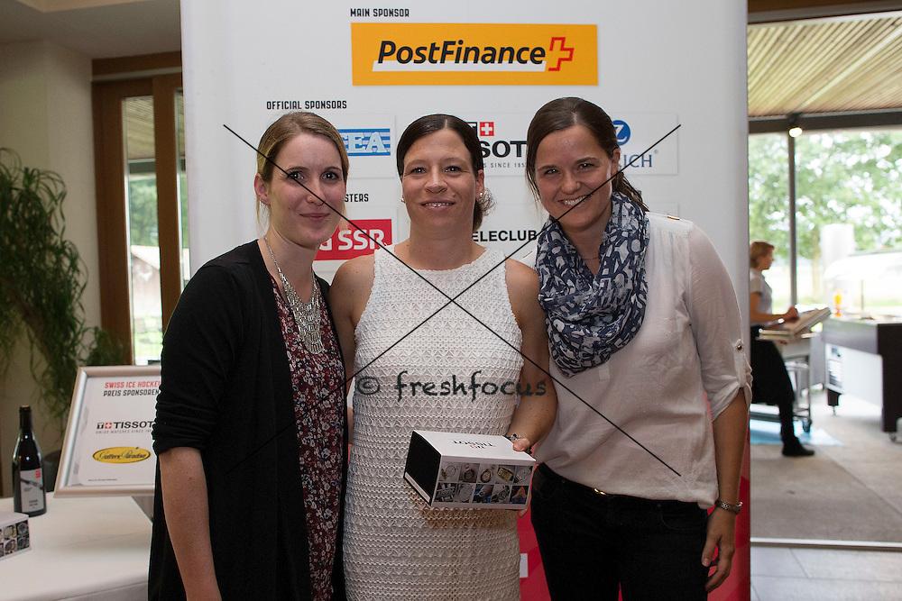 30.07.2014; Luterbach; Eishockey - Swiss Ice Hockey Golf Trophy 2014;   Sarah Haslebacher wird ausgezeichnet(Christian Pfander/freshfocus)