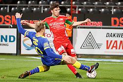 November 28, 2017 - Oostende, BELGIUM - STVV's Roman Bezus and Oostende's Aleksandar Bjelica fight for the ball during a Croky Cup 1/8 final game between KV Oostende and STVV, in Oostende, Tuesday 28 November 2017. BELGA PHOTO KURT DESPLENTER (Credit Image: © Kurt Desplenter/Belga via ZUMA Press)